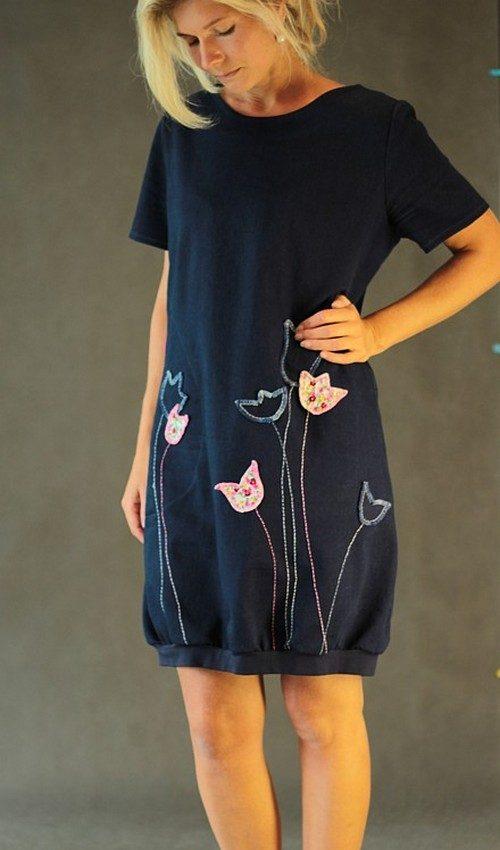 LaJuPe riflové šaty tmavomodré aplikace pestré tulipány růžová kapsa