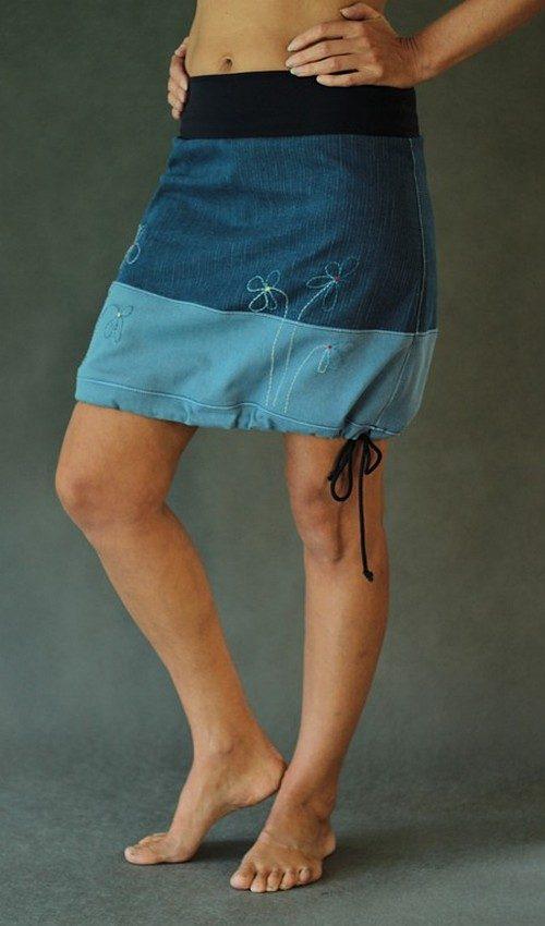 LaJuPe jeans sukně tmavě světle modrá horizontálně dělená áčková tmavovomodrý náplet motiv malé květiny