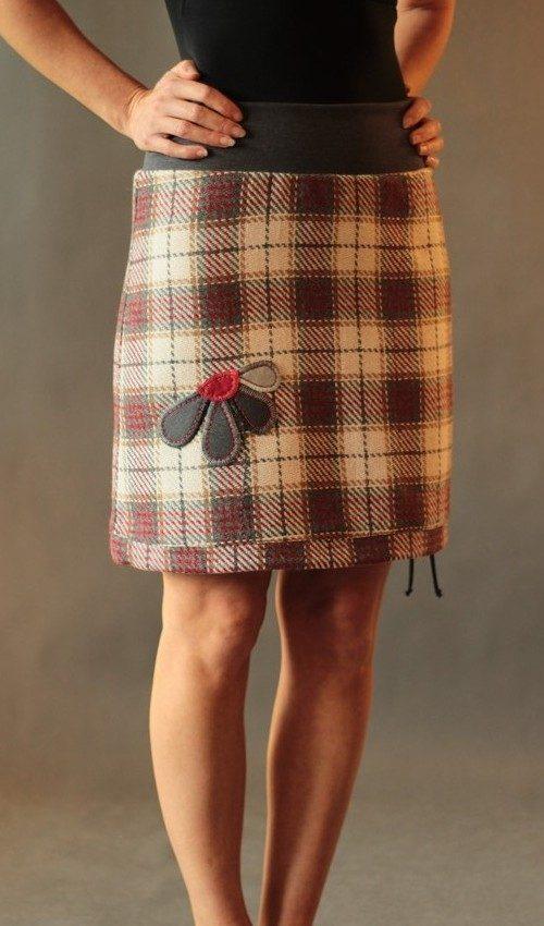 LaJuPe dámské zimní sukně polyester_viskóza_s_podšívkou_červená_krémová_áčková_1kapsa_tunýlek_šedá_šedá_kytka_polokvět