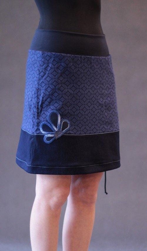 LaJuPe dámská sukně bavlna_polyester_bez_podšívky_modrá_modrá_áčková_1kapsa_tunýlek_modrá_modrá_kytka_půlkvět