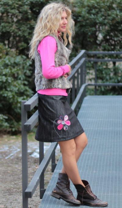 LaJuPe dívčí riflová sukně bavlna_polyester_bez_podšívky_černá_růžová_áčková_1kapsa_tunýlek_černá_pestrobarevná_kytka_šestikvět