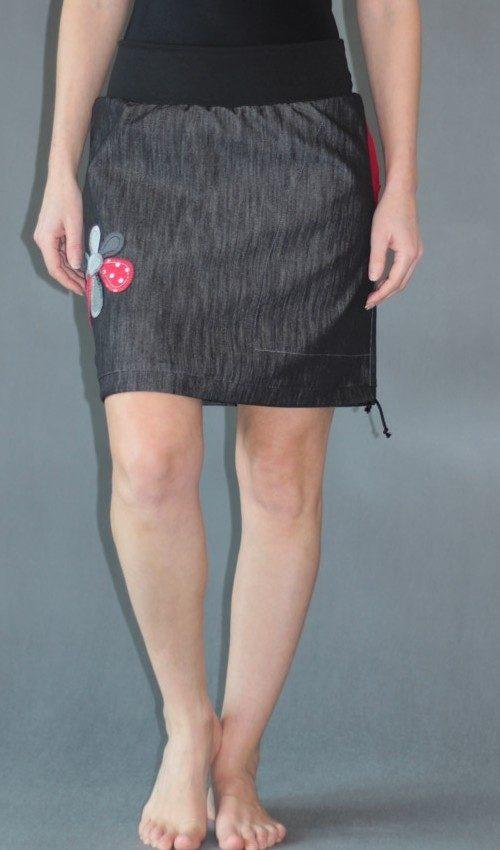 LaJuPe antracitová sukně bavlna_polyester_bez_podšívky_černá_červená_áčková_1kapsa_tunýlek_černá_červenobílá_kytka_6tikvět