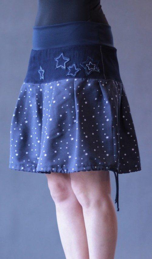 LaJuPe bavlněné sukně bavlna_polyester_bez_podšívky_tmavěmodrá_bílá_se_sedlem_nahoře_bez_kapes_tunýlek_tmavěmodrá_modrobílá_hvězda_hvězdy
