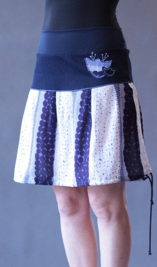 LaJuPe dámské sukně bavlna_viskóza_bez_podšívky_modrá_bílá_se_sedlem_nahoře_bez_kapes_tunýlek_tmavěmodrá_modrobílá_tulipán_dvatulipány
