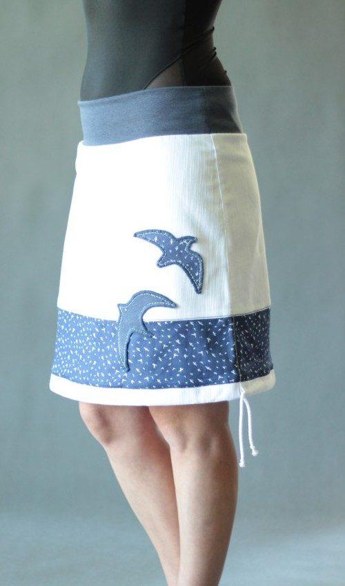 LaJuPe bílá jeansová sukně bavlna_elastan_bez_podšívky_bílá_modrá_se_sedlem_dole_1kapsa_tunýlek_džínová_modrá_pták_dvaptáci