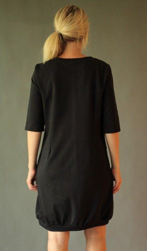 LaJuPe dámské večerní šaty bavlna elastan_bez_podšívky_černá_žlutá__1kapsa_úplet__žlutočerná_louka_kytky