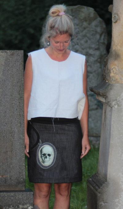 LaJuPe gothic sukně bavlna_polyester_bez_podšívky_černá_bílá_áčková_1kapsa_tunýlek_černá_černobílá_lebka_lebka