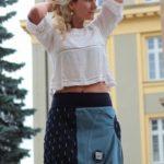 LaJuPe dámská džínová sukně tmavě modrá světle modrá půlená riflová tmavomodrý náplet áčková s kapsou motiv štítek