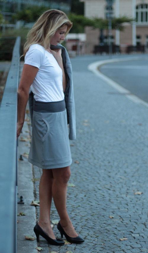 LaJuPe dlouhá šedá sukně polyester_viskóza_bez_podšívky_šedá_šedá_áčková_1kapsa_tunýlek_šedá_bezmotivu