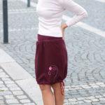 LaJuPe červená sukně polyester_polyester_bez_podšívky_vínová_růžová_áčková_1kapsa_tunýlek_vínová_vínová_kykta_polokvět
