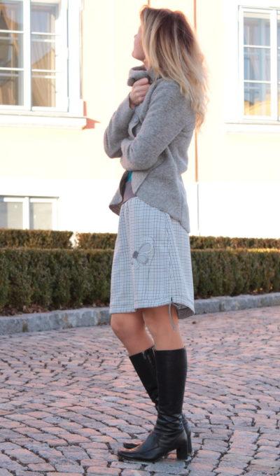 LaJuPe podzimní a zimní sukně polyester_viskóza_bez_podšívky_světlešedá_šedá_áčková_1kapsa_tunýlek_šedá_šedá_kytka_polokvět