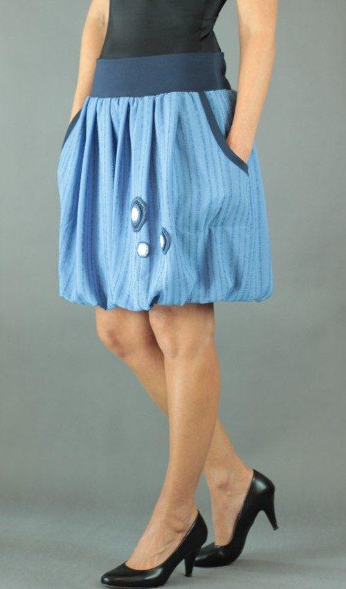 LaJuPe balónová sukně polyester_polyester_s_podšívkou_modrá_bílá_skládaná_2kapsy_hladké_modrá_bílomodré_louka_kulatékvěty