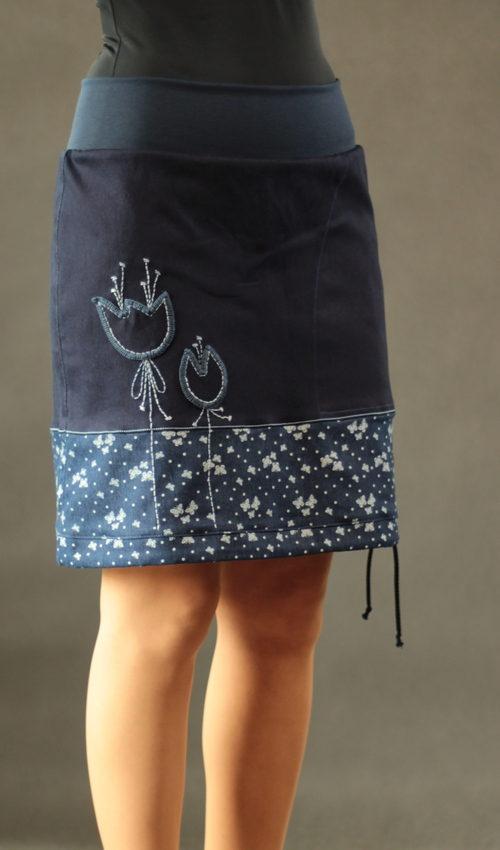 LaJuPe džínová sukně do a bavlna_polyester_bez_podšívky_modrá_bleděmodrá_se_sedlem_dole_1kapsa_tunýlek_modrá_modrá_louka_zvonky