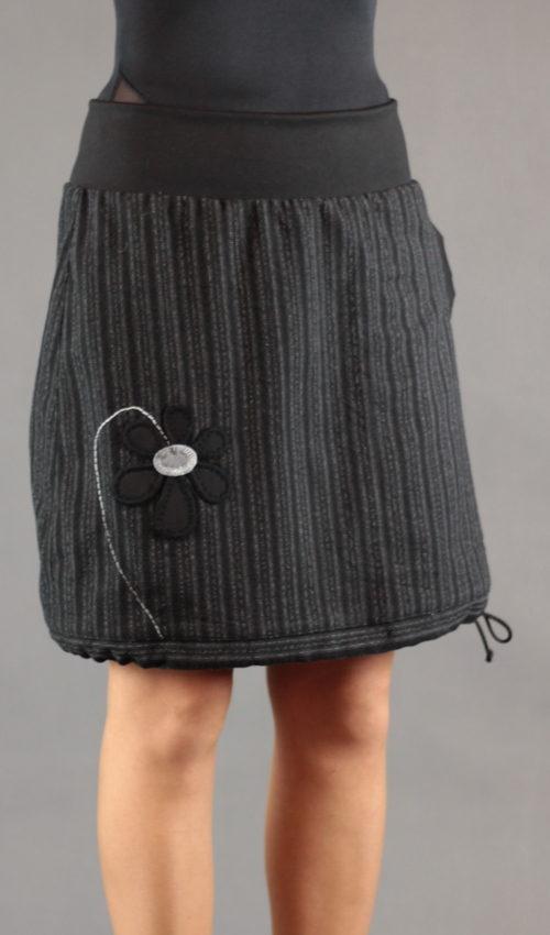 LaJuPe sukně s podšívkou polyester_vlna_s_podšívkou_černá_šedá_áčková_1kapsa_tunýlek_černá_černošedá_květ_kytka