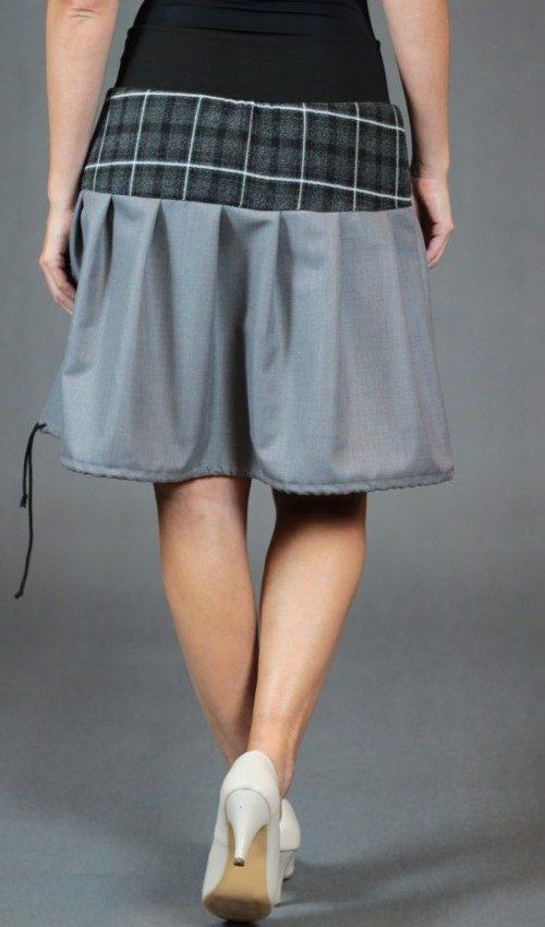 LaJuPe károvaná sukně vlna_polyester_bez_podšívky_šedá_černá_skládaná_bez_kapes_tunýlek_černá_šedočerná_kytka_polokvět