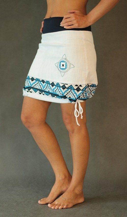 LaJuPe bílá riflová sukně kombinovaná áčková tmaovmodrý náplet motiv modý terč s kapsousou