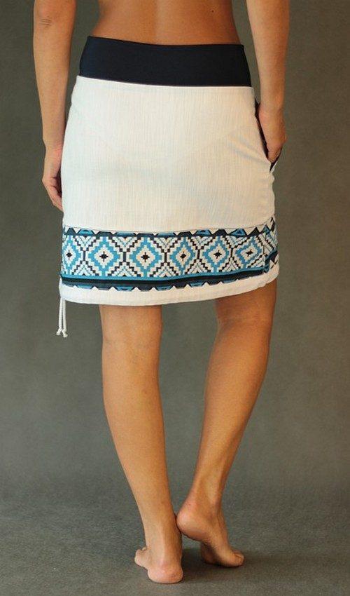 LaJuPe sukně bílá riflová kombinovaná áčková tmaovmodrý náplet motiv modré kosočtverce s kapsou