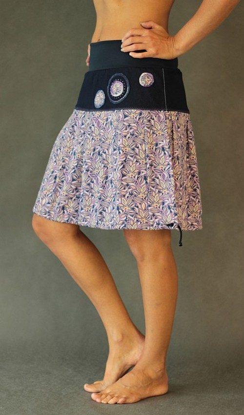 LaJuPe letní sukně viskózová fialovomodrá se sedlem áčková tmavomodrý náplet motiv fialové lístečky aplikace 3 kruhy
