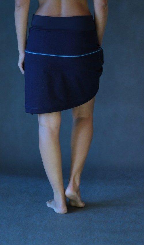 LaJupe sukně s nápletem bavlna_polyester_bez_podšívky_tmavě modrá_tyrkysová_se_sedlem_nahoře_1kapsa_tunýlek_tmavě modrá_tyrkysová_květina_6lístků