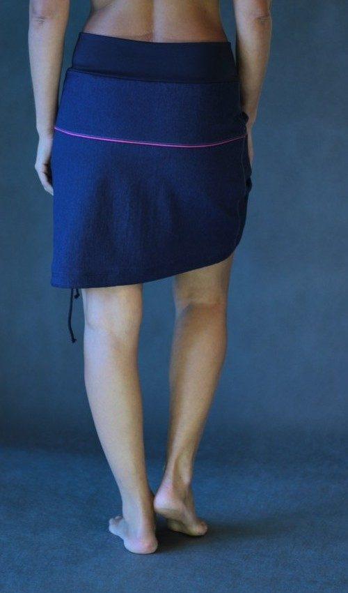 LaJupe sukně s nápletem bavlna_polyester_bez_podšívky_tmavě modrá_motiv_tulipán růžový