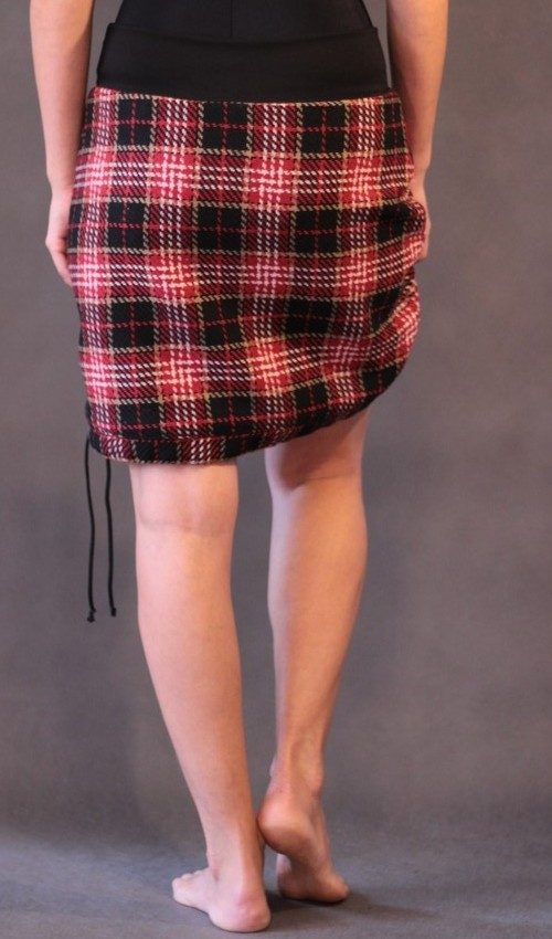 LaJuPe dámská zimní sukně polyester_viskóza_s_podšívkou_černá_červená_áčková_1kapsa_tunýlek_černá_černošedá_kytka_1kytka