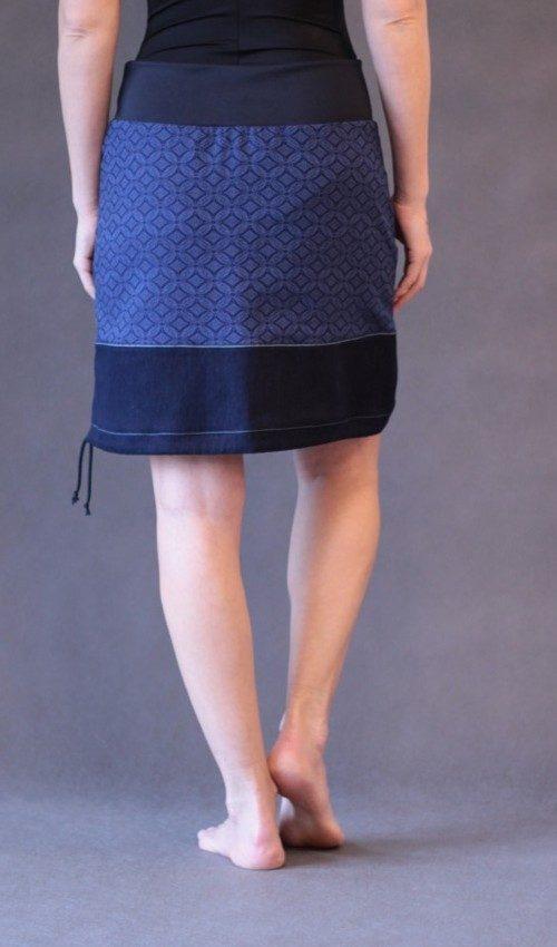 LaJuPe vyšívaná sukně bavlna_polyester_bez_podšívky_modrá_modrá_áčková_1kapsa_tunýlek_modrá_modrá_tulipán_třitulipány