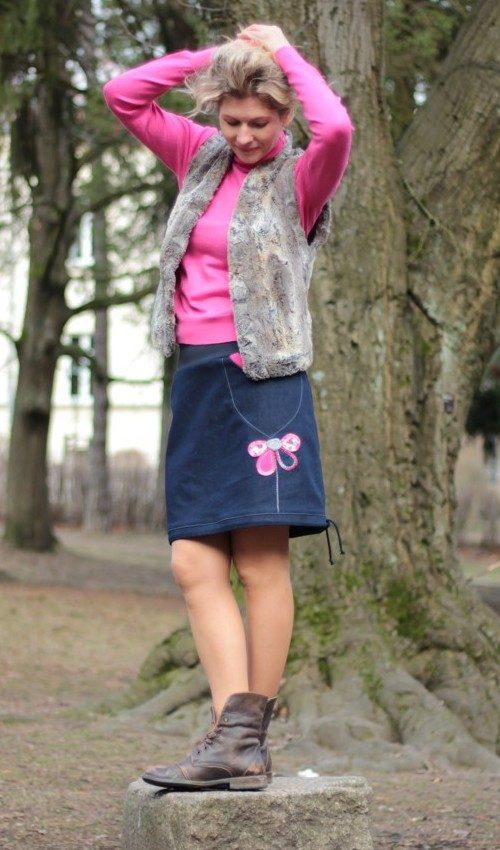 LaJuPe dámské sukně jeans 0110_P_slide_bavlna_polyester_bez_podšívky_modrá_růžová_áčková_1kapsa_tunýlek_modrá_růžová_kytka_polokvět