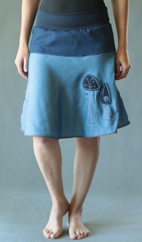 LaJuPe kolová sukně bavlna_elastan_bez_podšívky_modrá_hnědá_se_sedlem_nahoře_bez_kapes_kédr_modrá_modrohnědá_les_třistromy