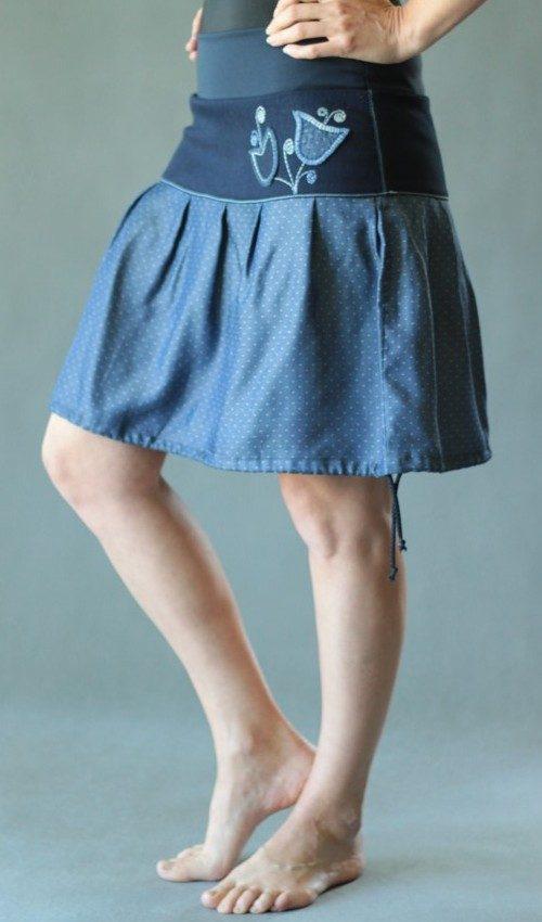 LaJuPe skládaná sukně bavlna_polyester_bez_podšívky_modrá_bílá_se_sedlem_nahoře_bez_kapes_tunýlek_modrá_modrá_zvonek_dvazvonky