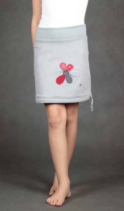LaJuPe oblečení dívčí sukně bavlna_polyester_bez_podšívky_šedá_červená_áčková_bez_kapes_tunýlek_šedá_červenošedá_kytka_květ