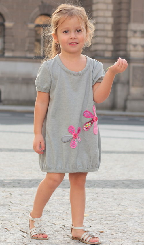 LaJuPe dětské šaty bavlna_elastan_bez_podšívky_šedá_růžová_áčková_bez_kapes_úplet__růžová_kytka_kytky