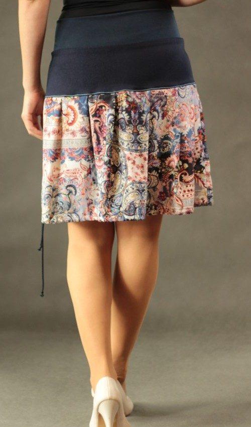 LaJuPe sukně růžová bavlna_polyester_bez_podšívky_modrá_růžová_skládaná_bez_kapes_tunýlek_modrá_modrorůžová_kytka_polokvět