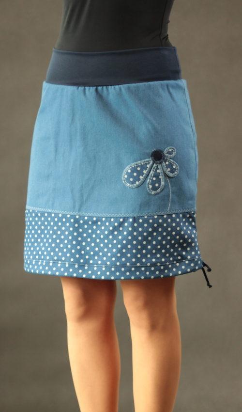 LaJuPe sukně dlouhá bavlna_polyester_bez_podšívky_modrá_bílá_se_sedlem_dole_1kapsa_tunýlek_modrá_puntíkatá_kytka