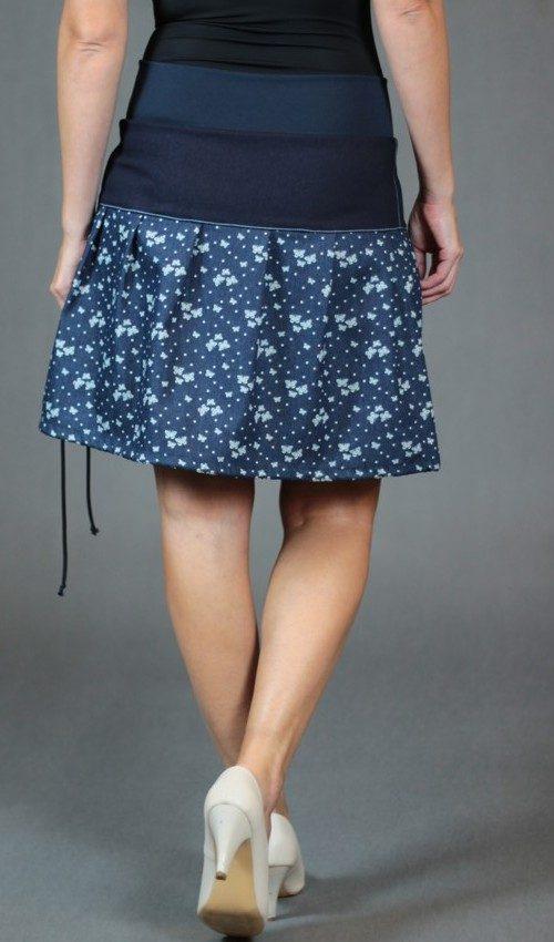 LaJuPe sukně levně bavlna_polyester_bez_podšívky_modrá_bílá_skládaná_bez_kapes_tunýlek_modrá_modrobílá_terč_motýlek