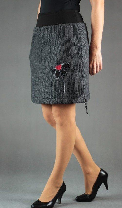 LaJuPe zimní vlněná sukně vlna_polyester_s_podšívkou_černá_šedá_áčková_1kapsa_tunýlek_černá_černočervená_květ_polokvět